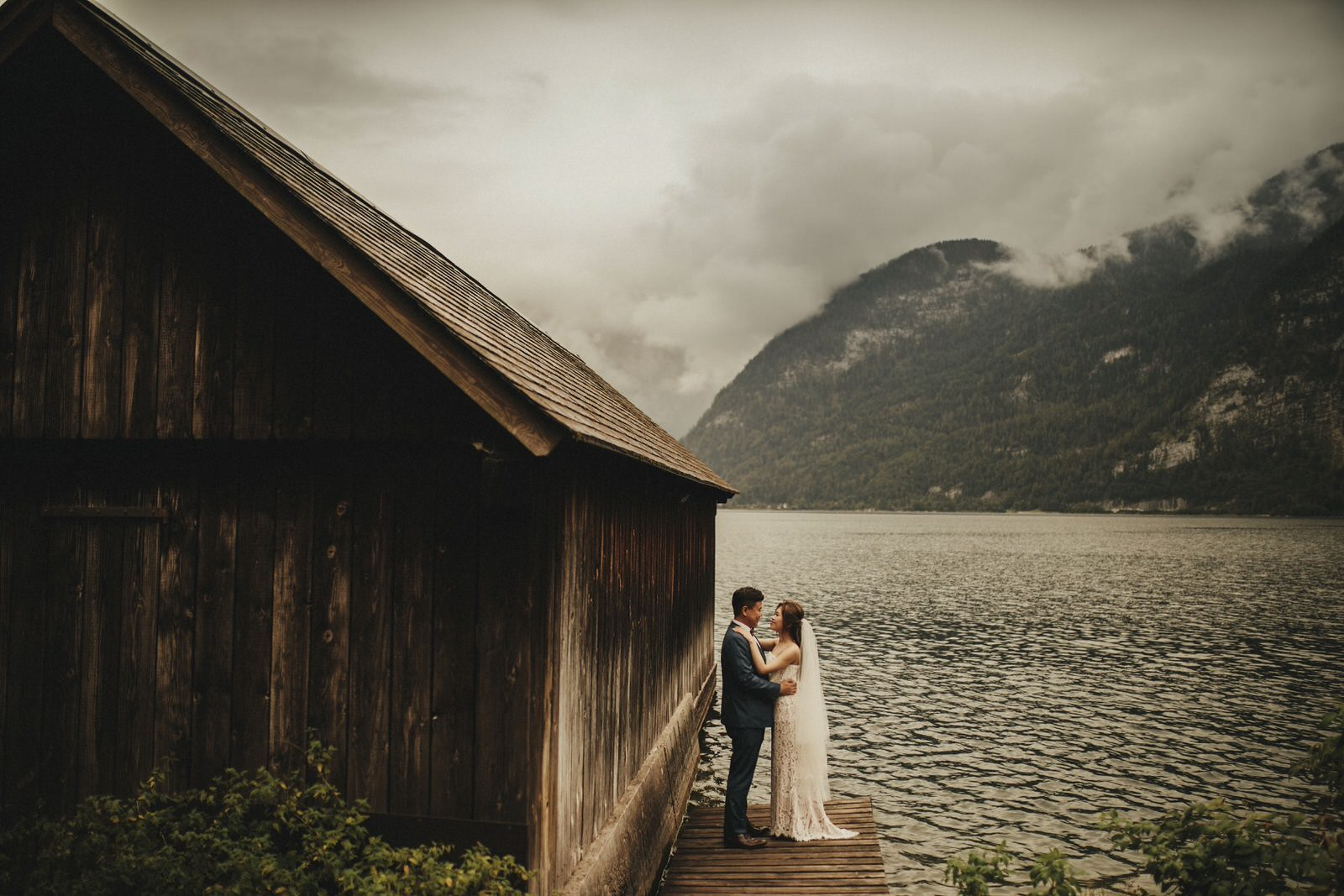 prewedding session in Hotel schloss Leopoldskron and Hallstatt